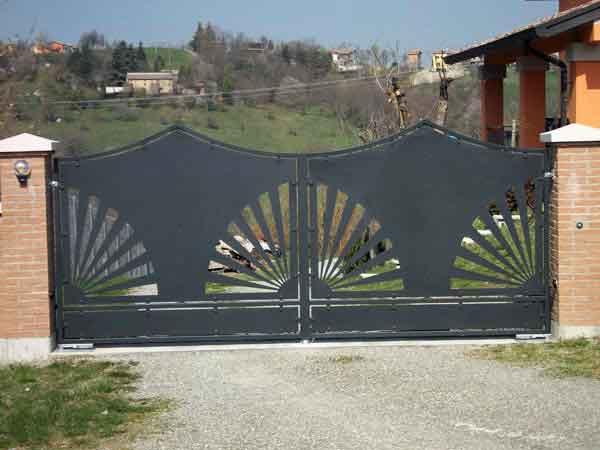 realizzazione-cancelli-in-ferro-battuto-Modena